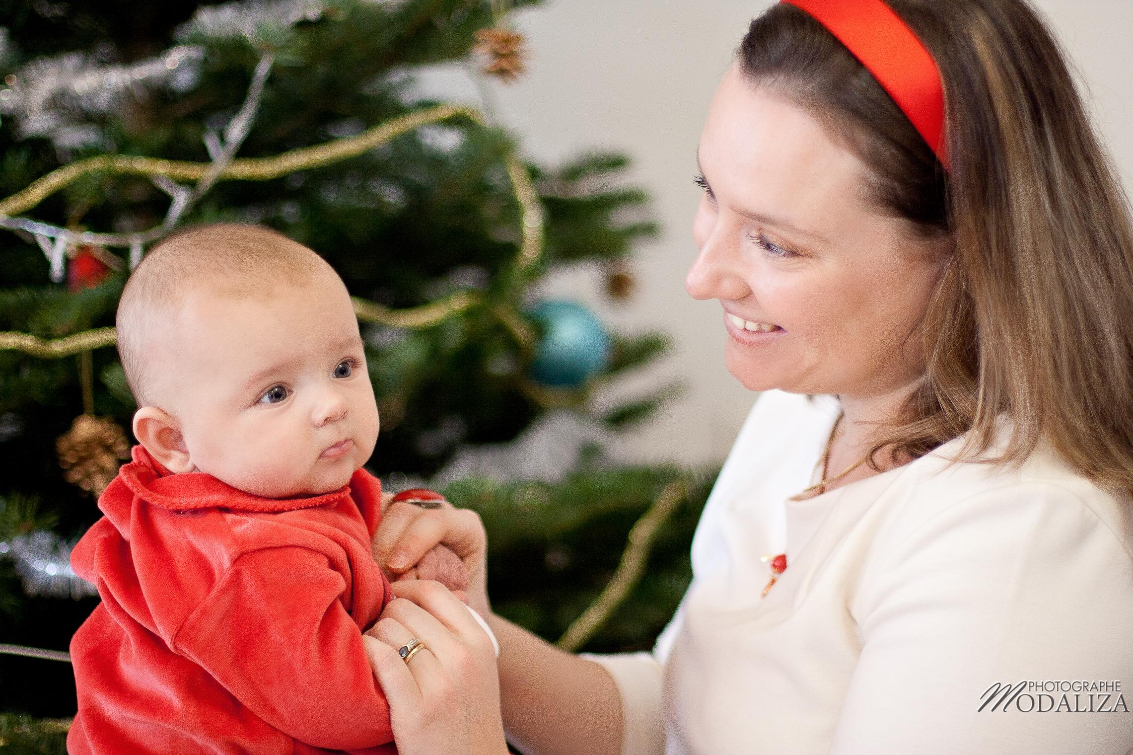 photo famille bébé petite fille robe rouge noel fêtes bordeaux aquitaine by modaliza photographe-0949
