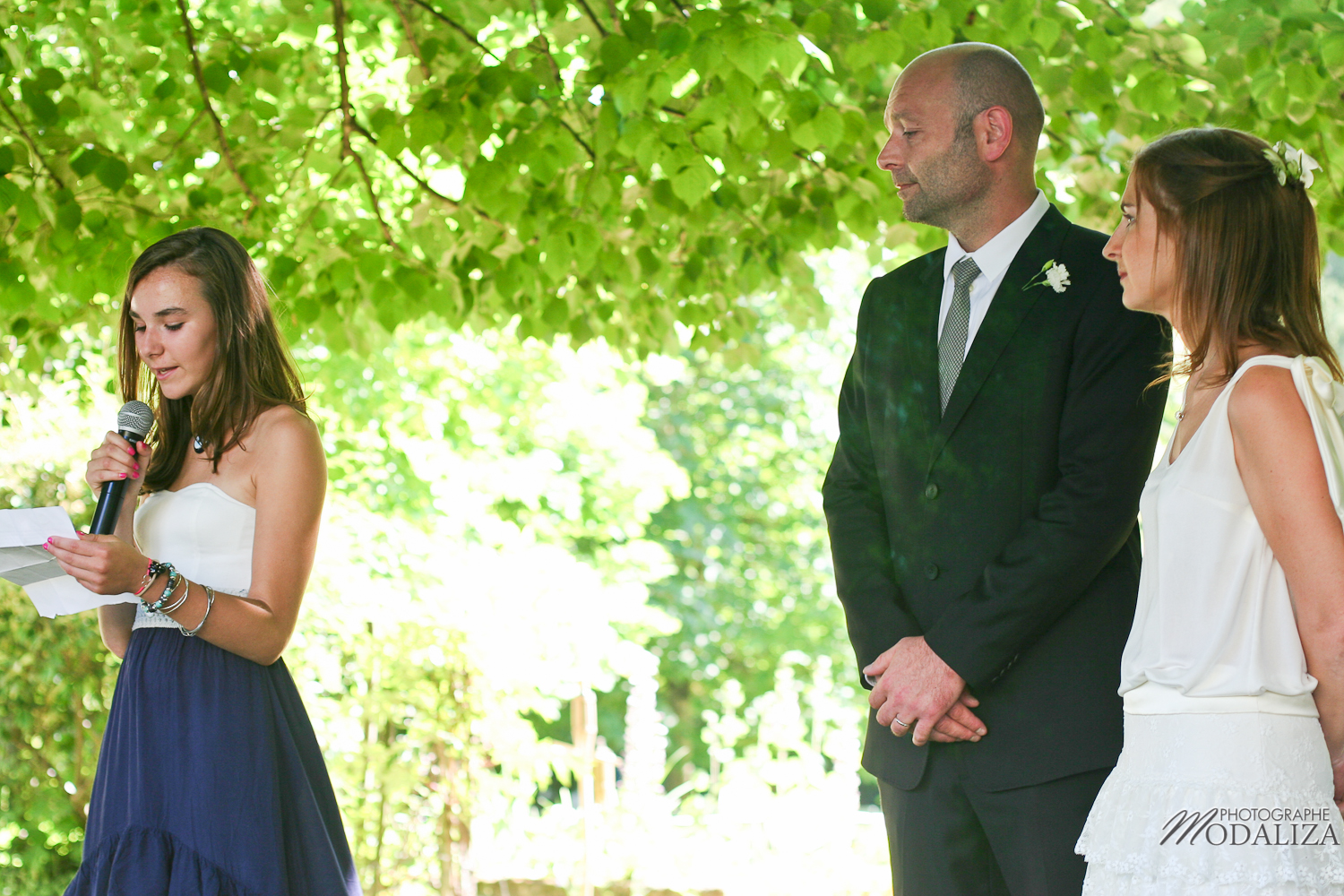 photo mariage temps spirituel ceremonie laique parc sous arbre by modaliza photographe-23