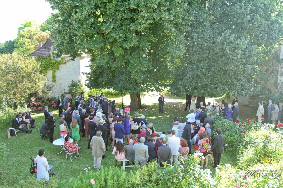 photo mariage temps spirituel ceremonie laique parc sous arbre by modaliza photographe-45