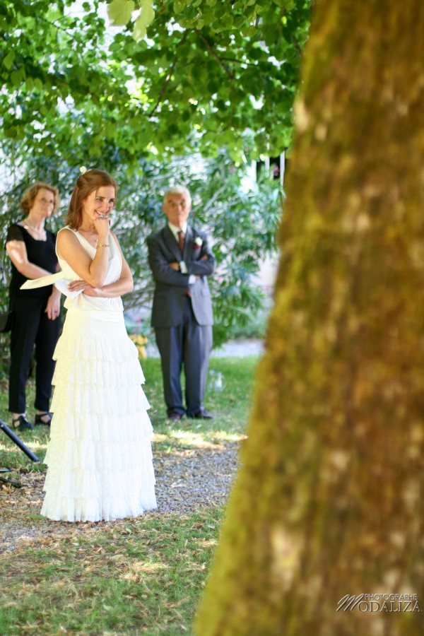 photo mariage temps spirituel ceremonie laique parc sous arbre by modaliza photographe-53