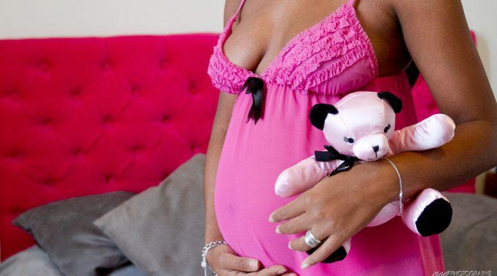 Séance photo femme enceinte lifestyle Bordeaux