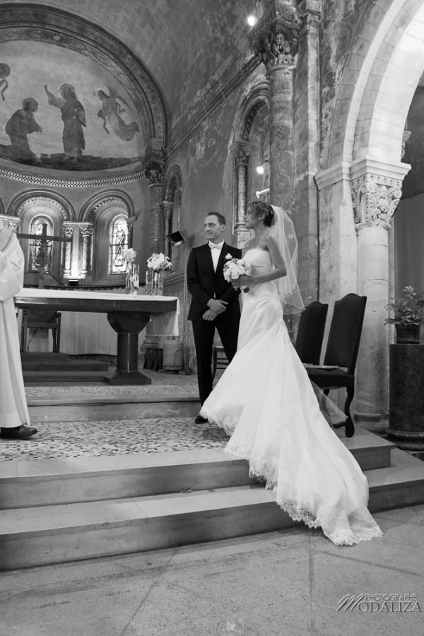 photo mariage religieux eglise cadaujac gironde robe traine dentelle by modaliza-31