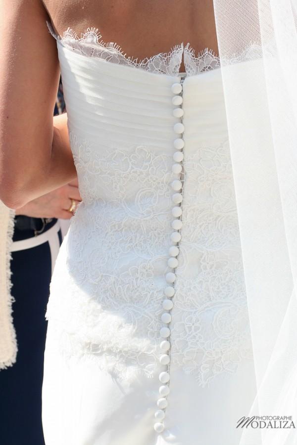 photo mariage religieux sortie eglise cadaujac gironde robe traine dentelle by modaliza-25