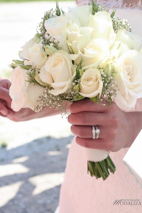 photo mariage religieux sortie eglise cadaujac gironde robe traine dentelle by modaliza-30