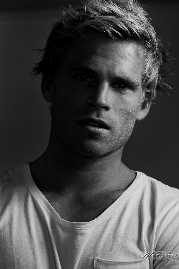 photo book mannequin homme blond portrait studio pierre vip models by modaliza photographe-1