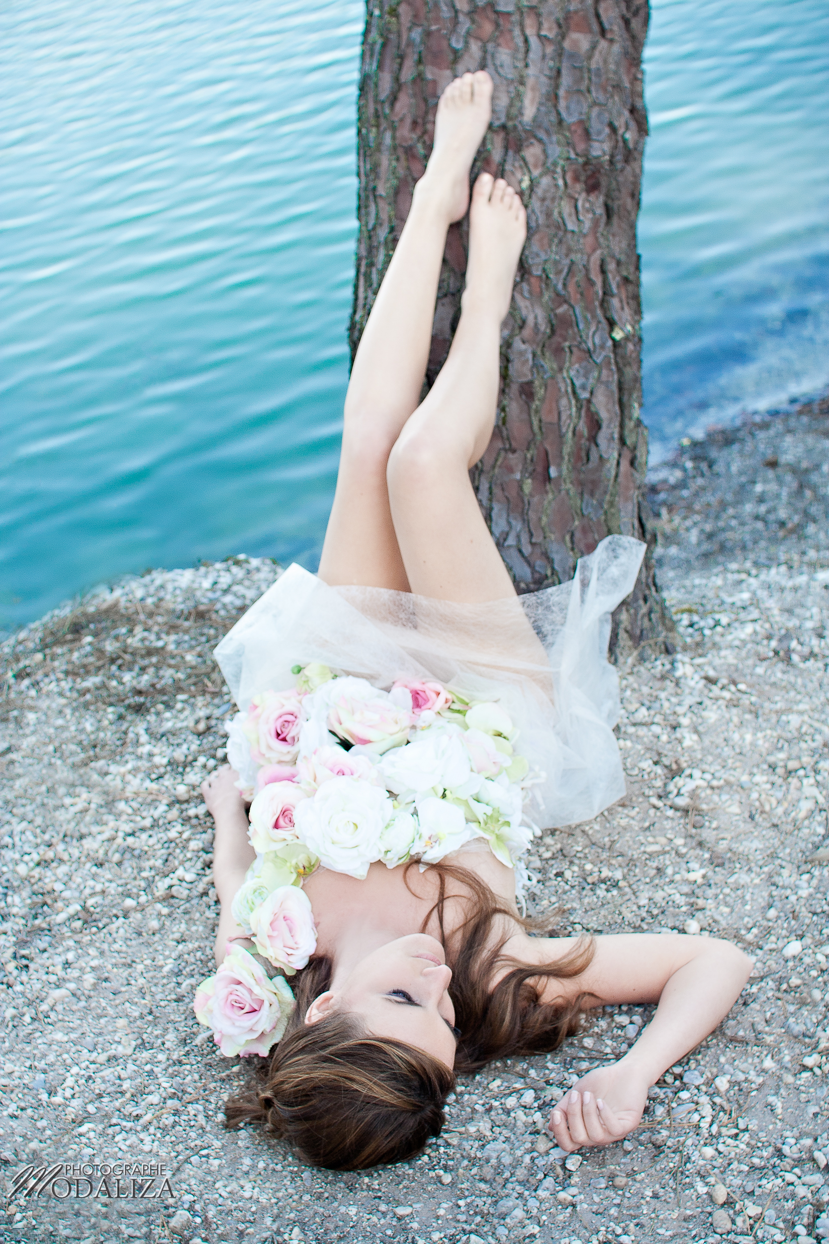 photo shoot mode mariée nature robe fleur confidentiel tendance mariage gironde bordeaux mariee en colere by modaliza -0261