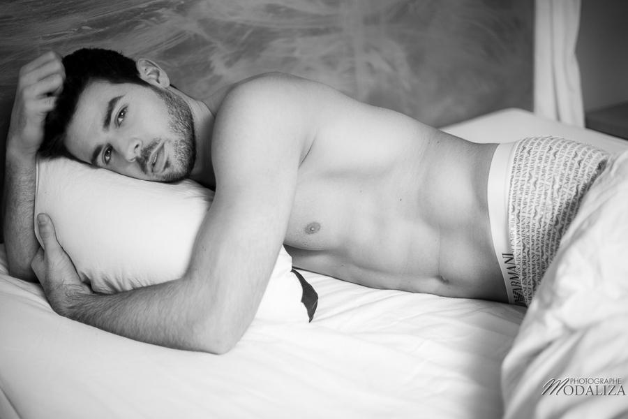 photo portrait fashion man lingerie torse nu mannequin homme sexy lifestyle by modaliza photographe-22