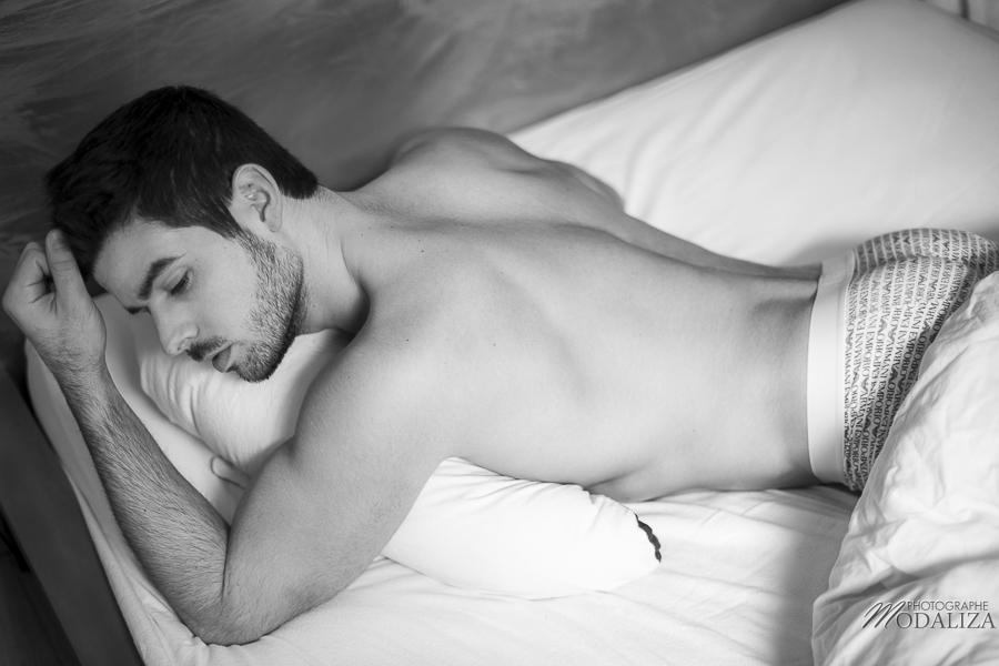 photo portrait fashion man lingerie torse nu mannequin homme sexy lifestyle by modaliza photographe-23
