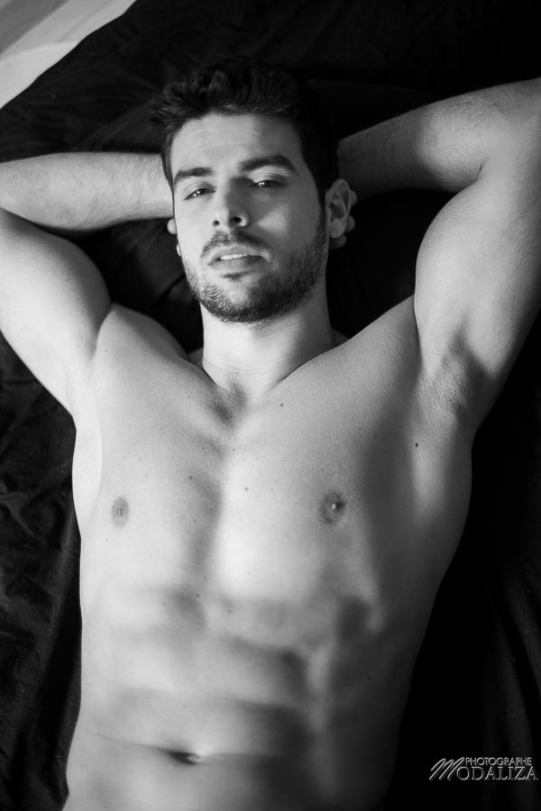 photo portrait fashion man lingerie torse nu mannequin homme sexy lifestyle by modaliza photographe-44