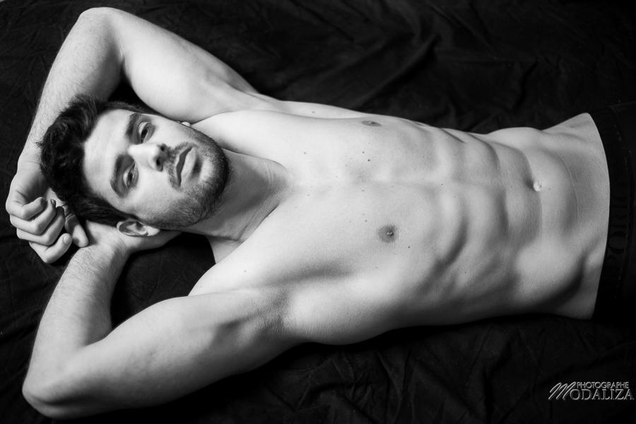 photo portrait fashion man lingerie torse nu mannequin homme sexy lifestyle by modaliza photographe-76