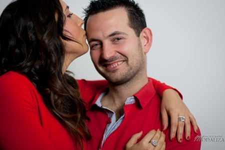 photo couple studio love noel rouge christmas engagement bordeaux gironde by modaliza photographe-14