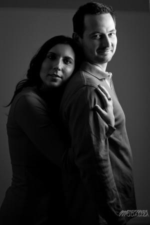 photo couple studio love noel rouge christmas engagement bordeaux gironde by modaliza photographe-25