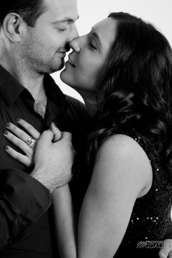 photo couple studio love noel rouge christmas engagement bordeaux gironde by modaliza photographe-5