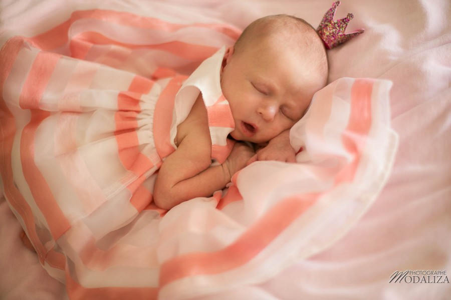 seance photo bebe newborn baby girl princess coral dress bordeaux merignac gironde-7770
