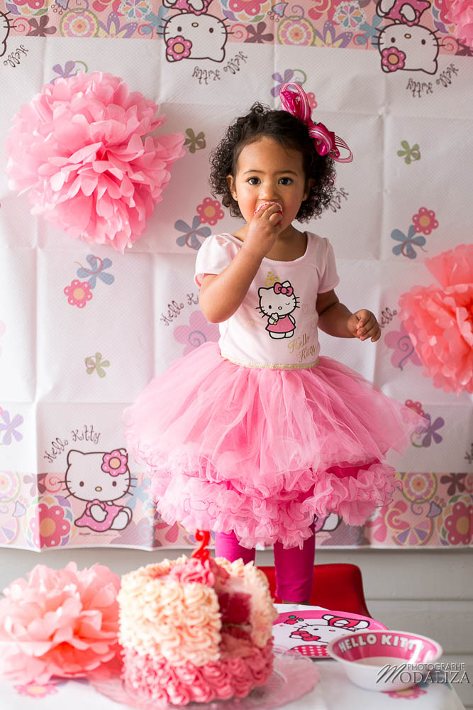 attractive anniversaire petite fille 2 ans 6 photo girl baby cake smash happy birthday 2. Black Bedroom Furniture Sets. Home Design Ideas