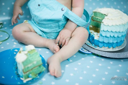 photo bébé anniversaire 1 an baby boy cake smash first birthday blue star bordeaux by modaliza photographe-2096