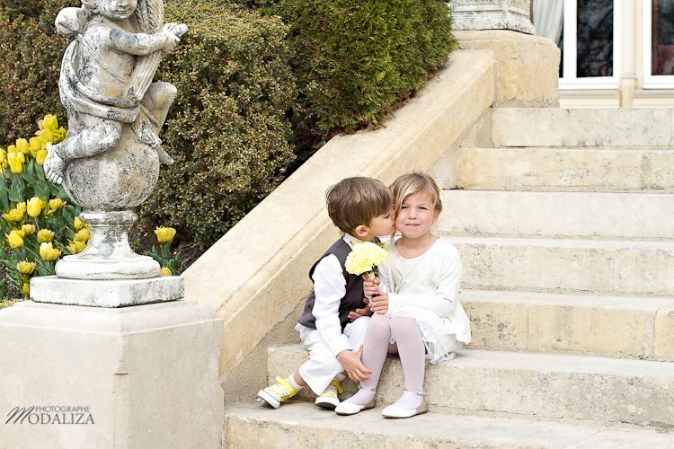 photo cérémonie enfants inspiration mariage jaune amour d'enfance little wedding yellow bordeaux chateau pape clement by modaliza -6206