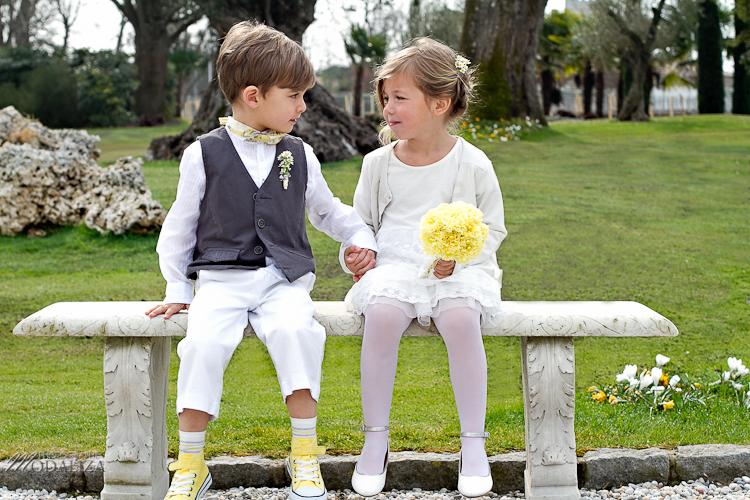 photo cérémonie enfants mariage jaune amour d'enfance little wedding yellow bordeaux chateau pape clement by modaliza -6208