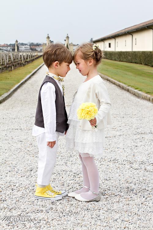 photo cérémonie enfants mariage jaune amour d'enfance little wedding yellow bordeaux chateau pape clement by modaliza -6214