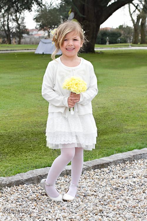 photo cérémonie enfants mariage jaune amour d'enfance little wedding yellow bordeaux chateau pape clement by modaliza -6220