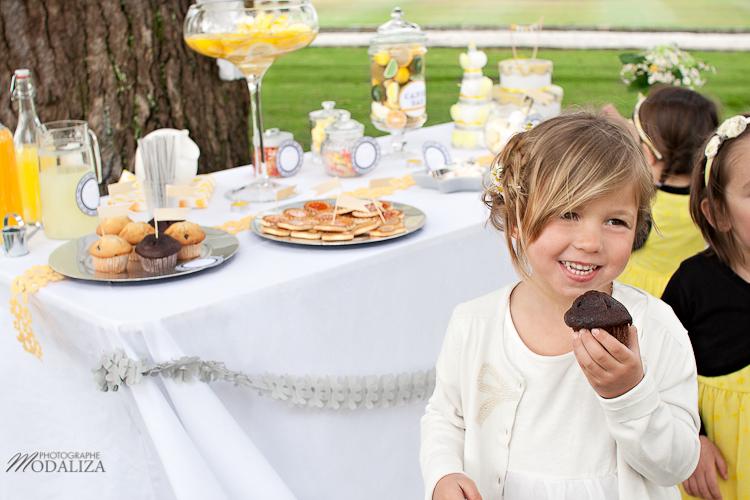photo cérémonie enfants mariage jaune amour d'enfance little wedding yellow bordeaux chateau pape clement by modaliza -6399