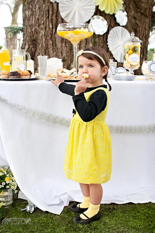 photo cérémonie enfants mariage jaune amour d'enfance little wedding yellow bordeaux chateau pape clement by modaliza -6419