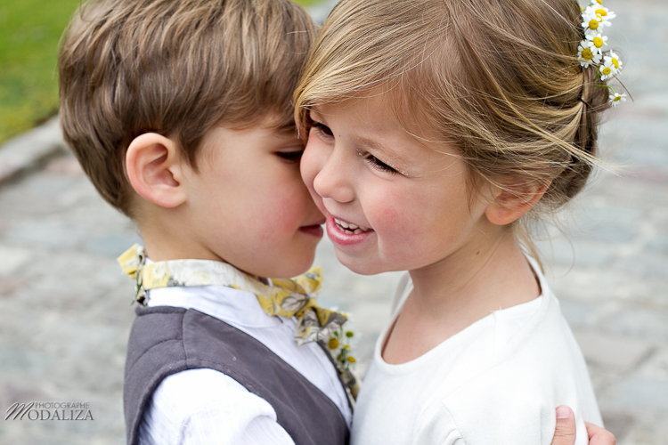 photo couple enfants amour d'enfance child love wedding yellow by modaliza -6361