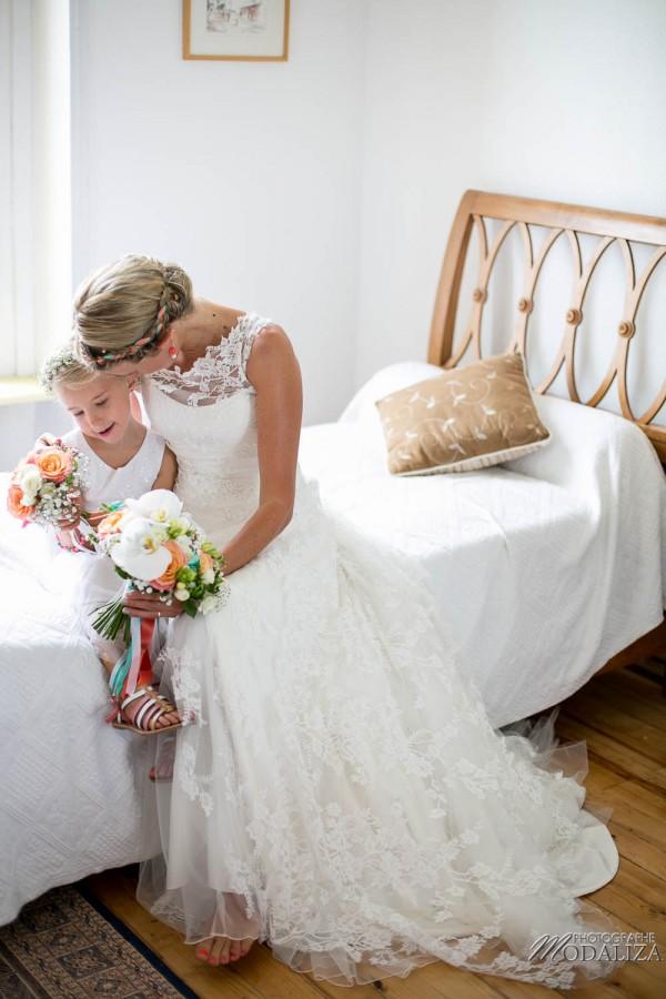 photo mariage arcachon tir au vol eglise le moulleau plage robe de mariée marie viloteau dentelle corail mint by modaliza photographe-5243