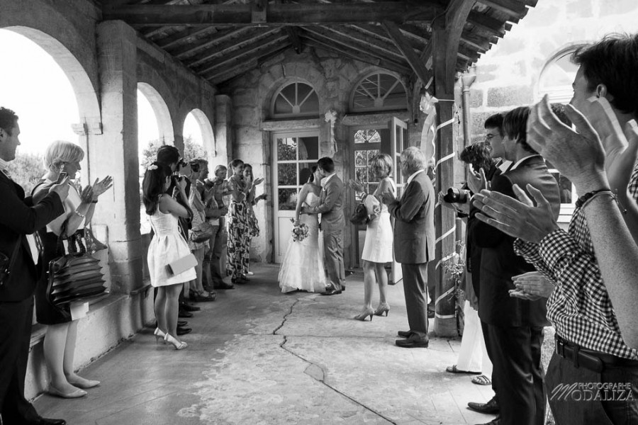 photo reportage mariage lace wedding dress cymbeline robe dentelle mariés romantique chic nature mairie gontaud de nogaret lot et garonne peche peach fleurs de mars frederic kazan coiffure bride france by modaliza photographe-1380