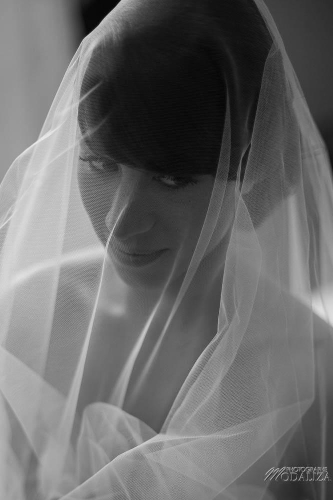 photo reportage mariage lace wedding dress cymbeline robe dentelle préparatifs mariés romantique chic nature chateau gontaud de nogaret lot et garonne peche peach fleurs de mars frederic kazan coiffure bride france by modaliza photographe-6335