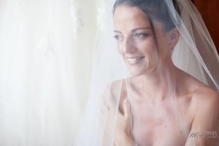 photo mariage preparatifs mariée marié habillage coiffure maquillage makeup hair bride groom novia aquitaine sudouest toulouse by modaliza photographe-8894