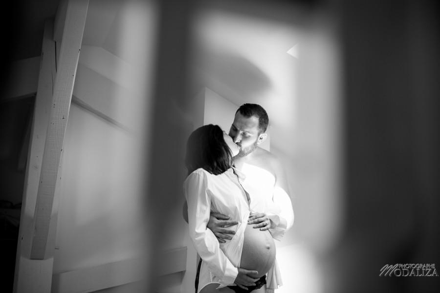 photo mum to be enceinte parents boudoir home lifestyle pregnancy pink france bordeaux by modaliza photographe-9479