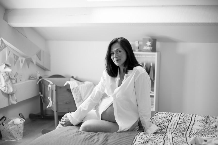 photo mum to be enceinte parents boudoir home lifestyle pregnancy pink france bordeaux by modaliza photographe-9525