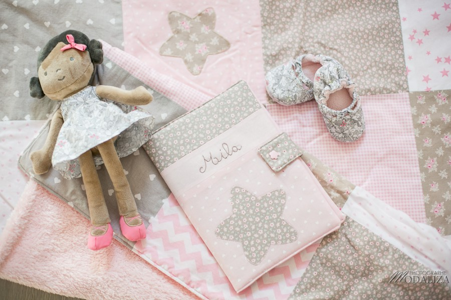 photo newborn lifestyle mum baby girl love girly pink maman bebe bordeaux by modaliza photographe (1 sur 7)