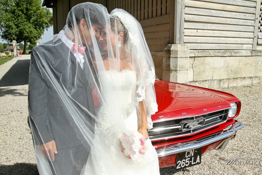 photo couple mariage bordeaux ford mustang rouge by modaliza photographe-16