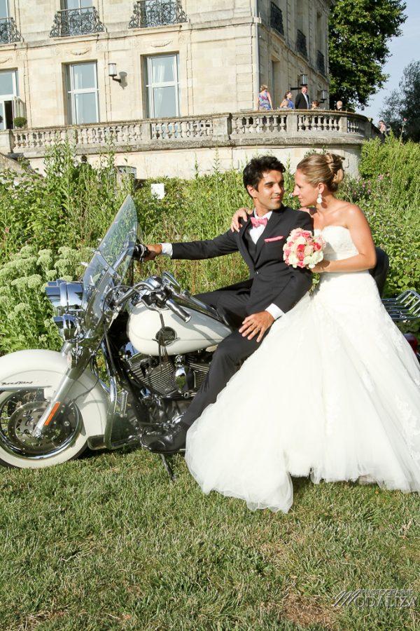 photo mariage couple bordeaux chateau grattequina moto harley by modaliza photographe-14