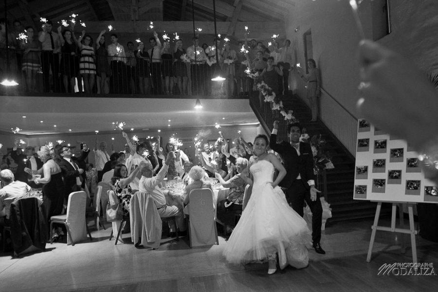 photo mariage soirée entrée des mariés etincelles chateau grattequina bordeaux gironde by modaliza photographe-13