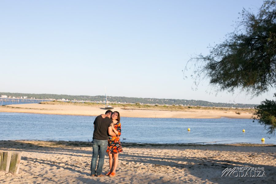 photo-grossesse-pregnant-ventre-rond-plage-cap-ferret-beach-sunset-bassin-d-arcachon-by-modaliza-photographe-0228