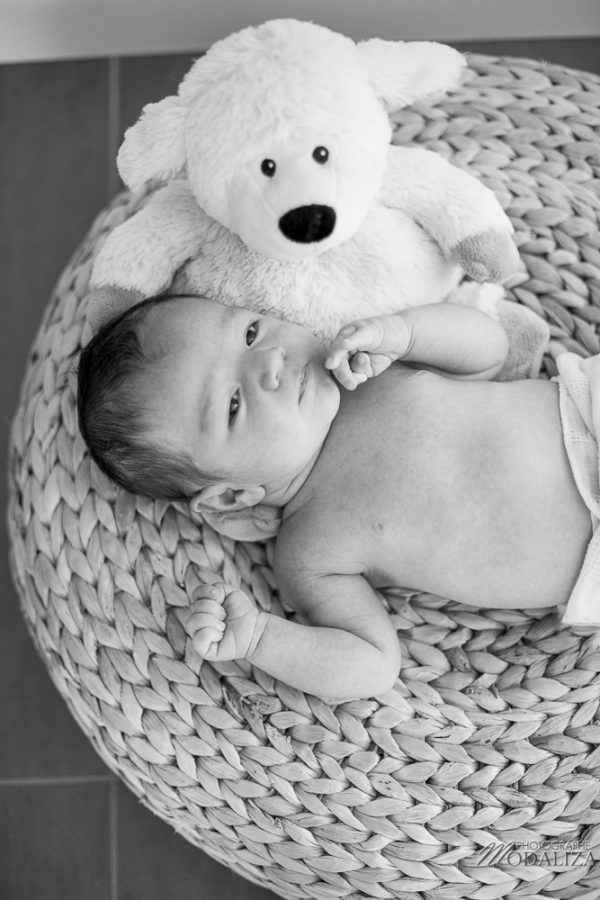 photo-baby-newborn-bebe-famille-domicile-lifestyle-bordeaux-gironde-by-modaliza-photographe-120