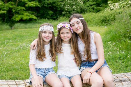 photo-famille-girls-groupe-filles-cousines-soeurs-sisters-family-boheme-parc-green-garden-jardin-bordeaux-by-modaliza-photographe-3986