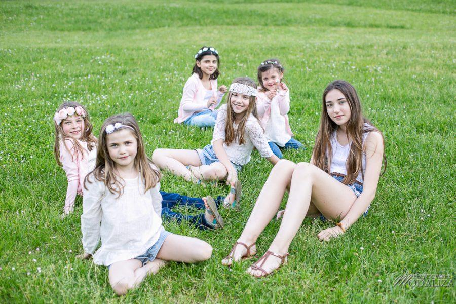 photo-famille-girls-groupe-filles-cousines-soeurs-sisters-family-boheme-parc-green-garden-jardin-bordeaux-by-modaliza-photographe-4227
