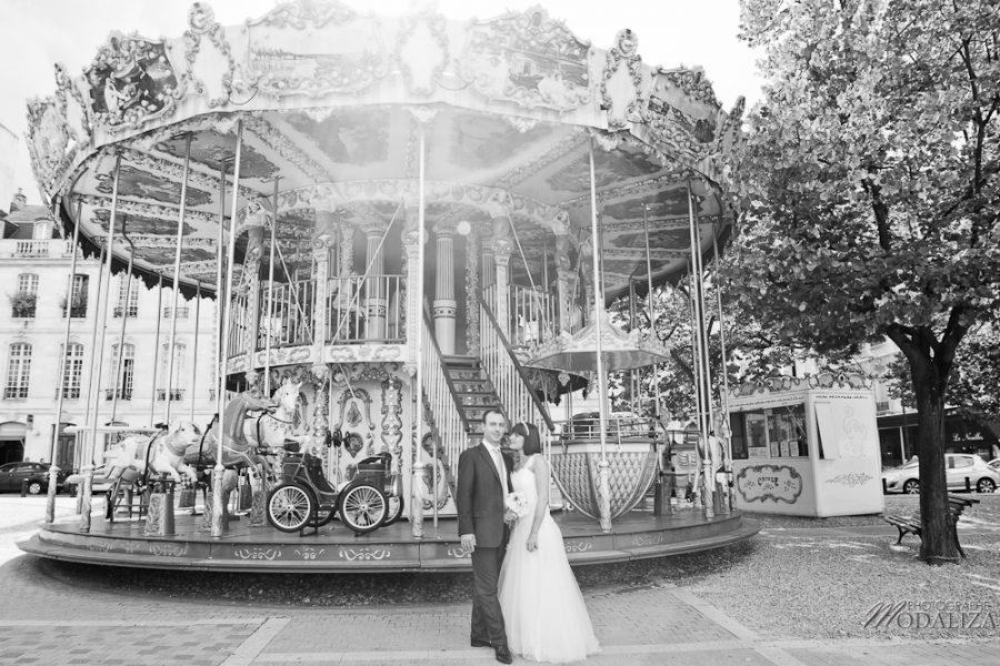 photo ttd trash the dress day after couple love session bordeaux allees tourny carrousel manege city romantique by modaliza photographe 53