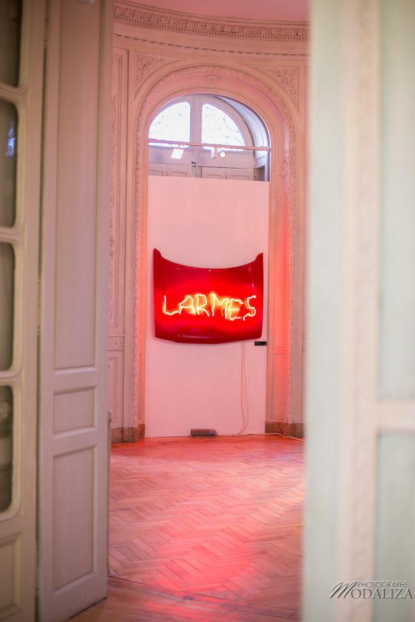photographe-blogueuse-institut-culturel-bernard-magrez-neon-larmes-claude-leveque-collection-art-chateau-labottiere-bordeaux-gironde-by-modaliza-photo-9586