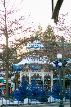 photo disneyland paris noel arche sapin bleu disney romanticdecembre 2017 by modaliza photographe