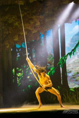 photo disneyland paris foret enchantee spectacle 25 ans tarzan spectacle disney by modaliza photographe-6517