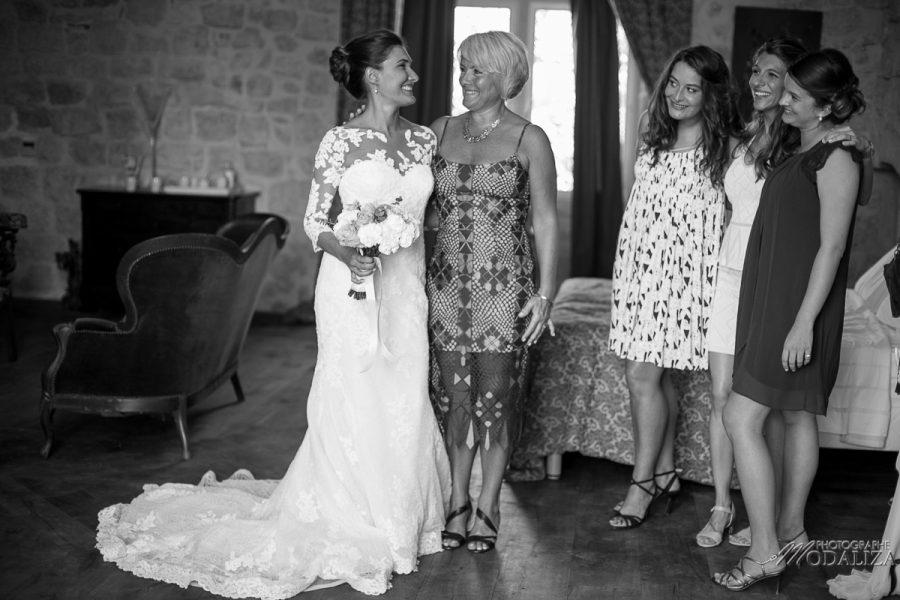 photo mariage wedding preparatifs mariee bride robe dentelle grignols domaine dame blanche gironde by modaliza photographe-252-2