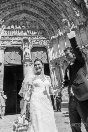 photo mariage wedding robe dentelle eglise church cathedrale bazas gironde by modaliza photographe-352