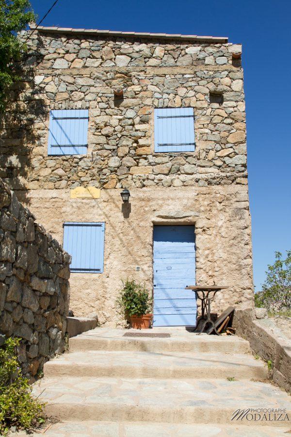 photo corse corsica maison typique volet bleu blog voyage mer méditerannée paysage by modaliza photographe 1017-58