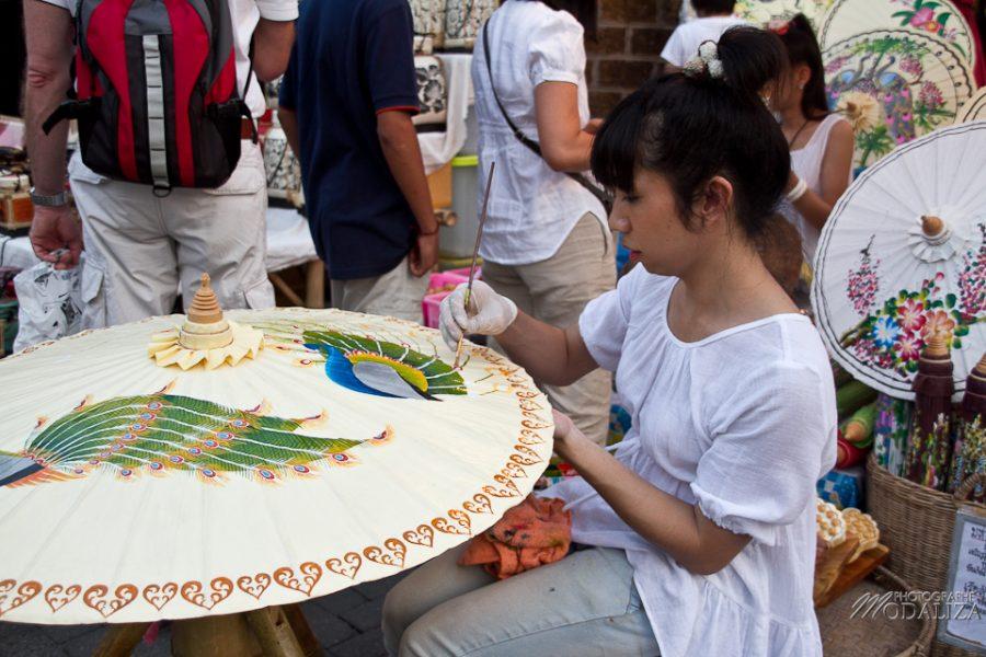 photo voyage thailande chiang mai marché de nuit artisanat by modaliza photographe-6787