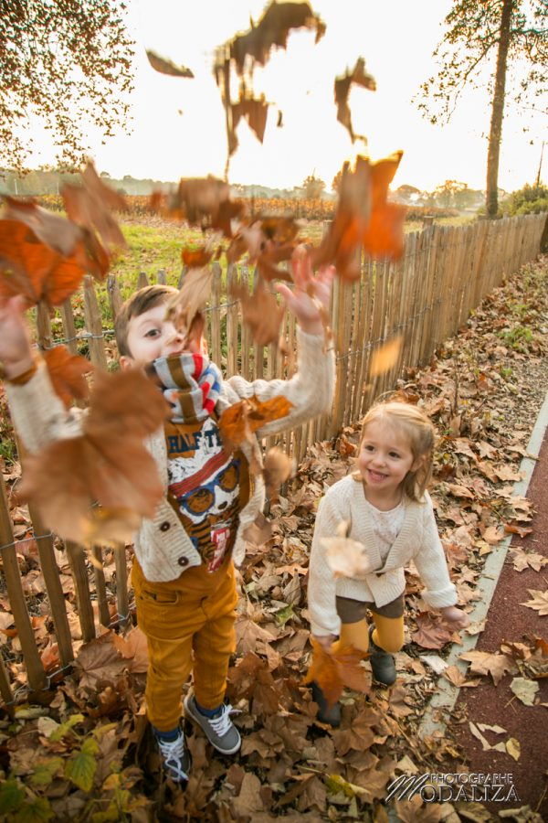 seance couple enfant amoureux automne foret sunset kids lovers by modaliza photographe-4079-0718